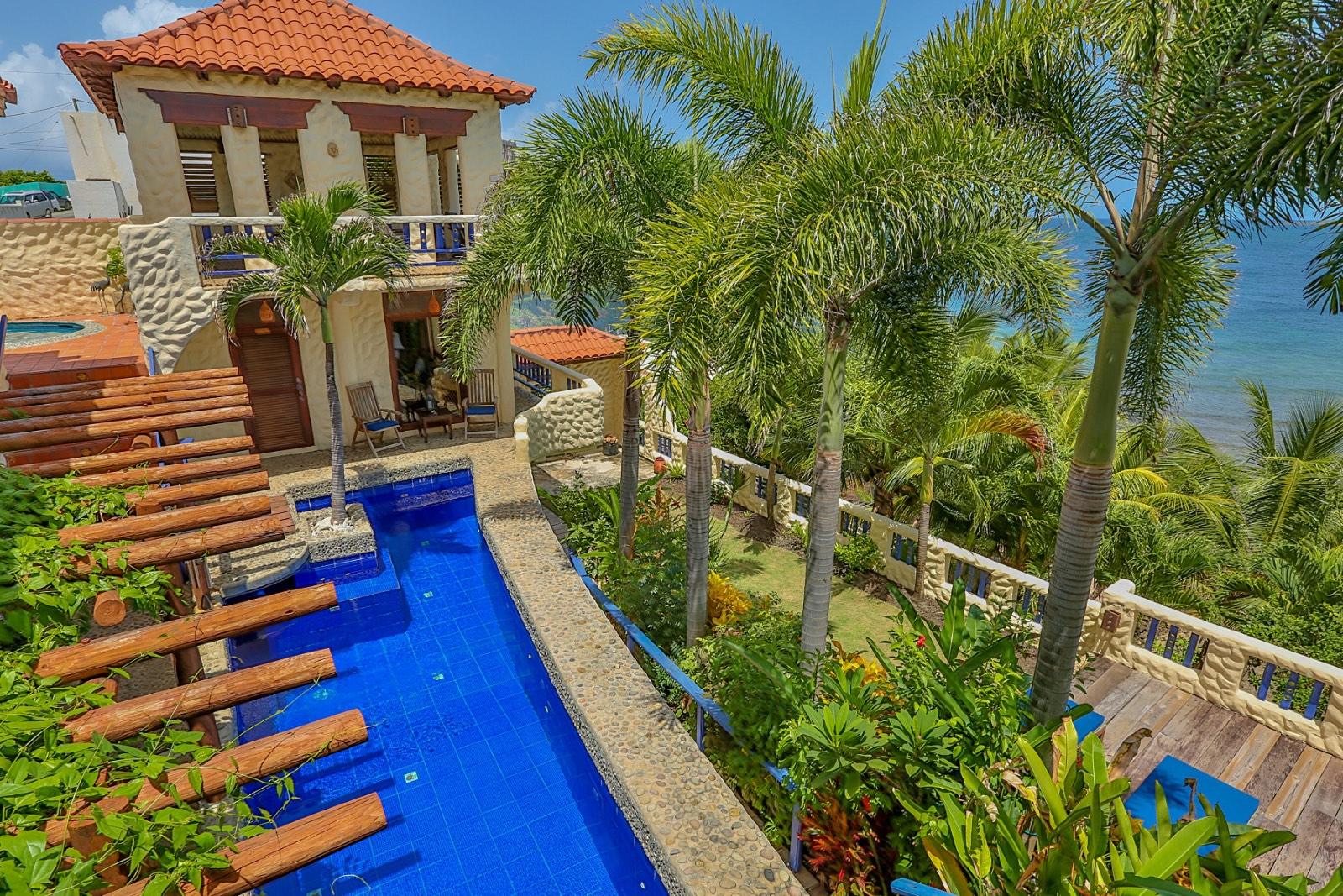 Beachcliff - Grenadine Island Villa Rentals, Hotels & Apartments - L ...