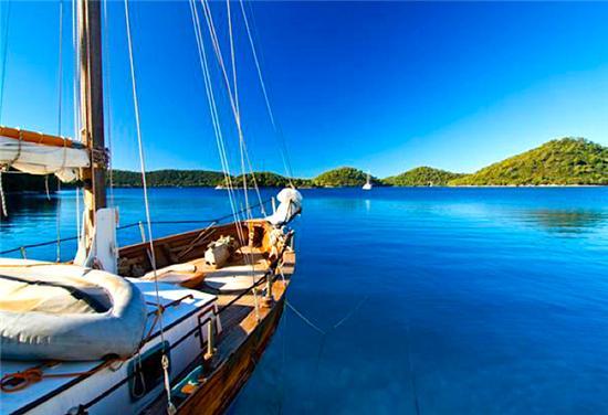 Bequia Rental Villas, Hotels & Apartments - - Mustique Dive & Watersports - - Mustique